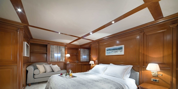 Φωτογράφιση πολυτελών σκαφών, Yacht